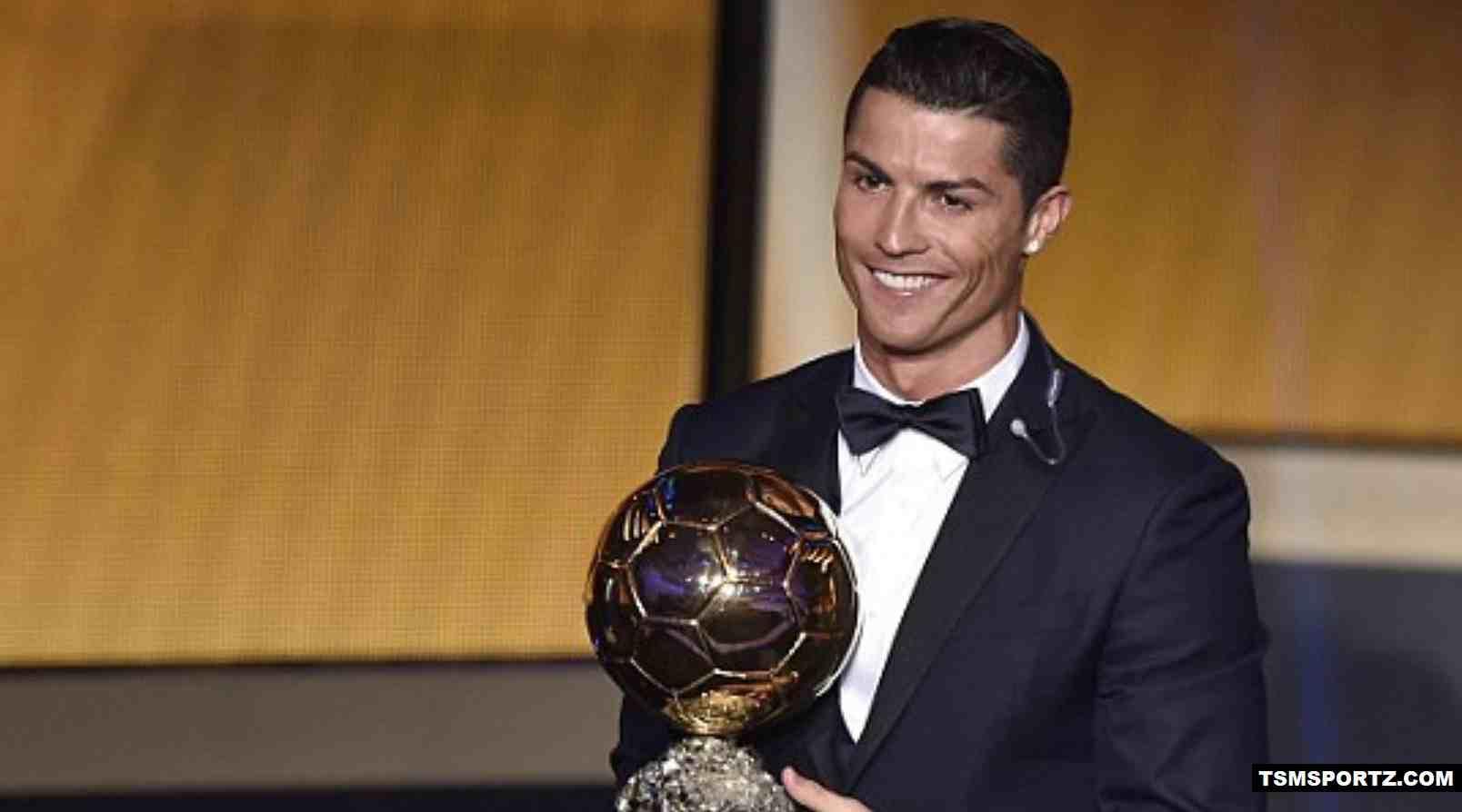 Cristiano Ronaldo wins Fifa ballond dor award 2017